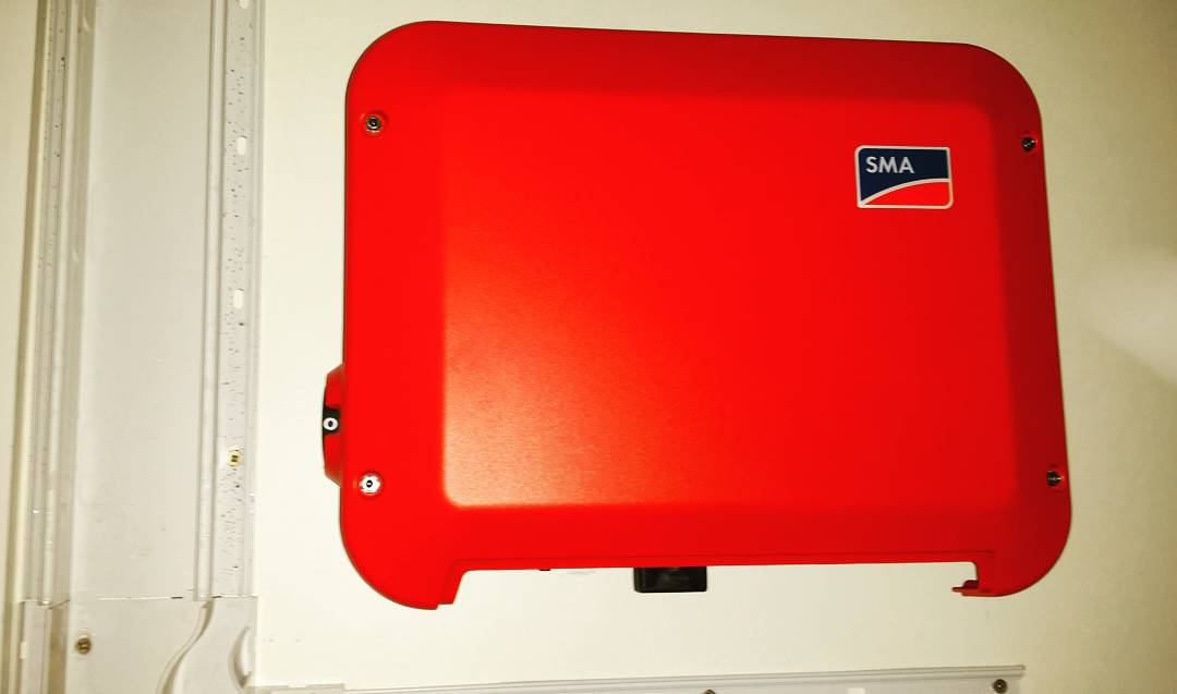 Sma 2.5 kw sunny boy invertor with wireless network interface
